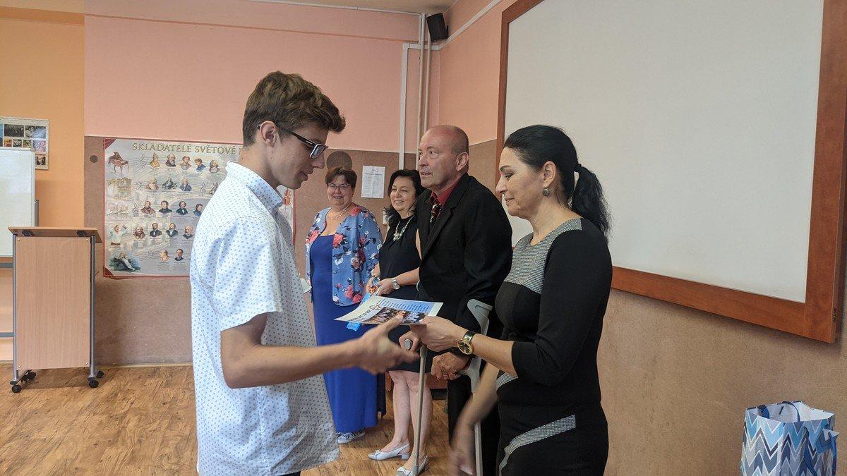 Slavnostní rozloučení sžáky devátých tříd (30.6.2021)